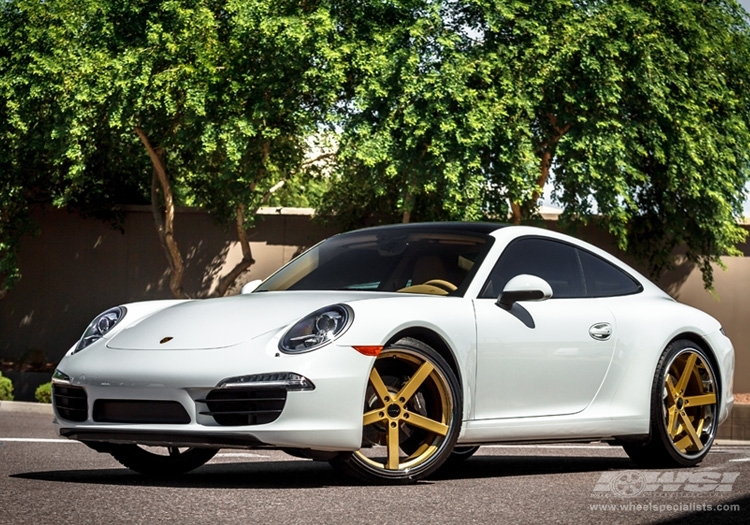 "2013 Porsche 911 with 22"" Giovanna Mecca in Gold (Chrome S/S Lip) wheels"